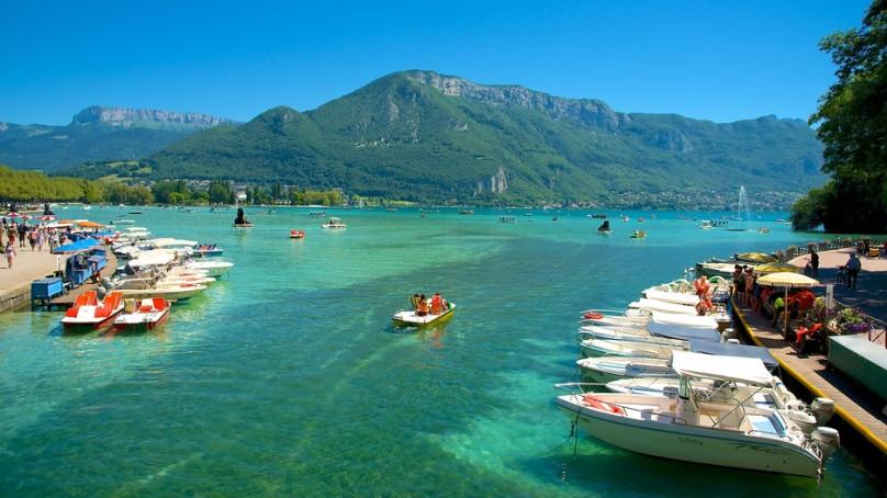 image photo Top 1 le lac d'Annecy est l'un des plus célèbres de France