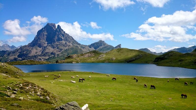 image photo Top 8 lac de Gentau glaciaire français des Pyrénées-Atlantique