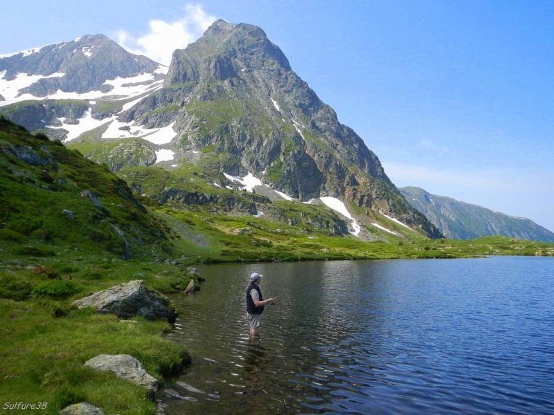 image photo Top 21 Le lac fourchu situé dans les Alpes en Isère